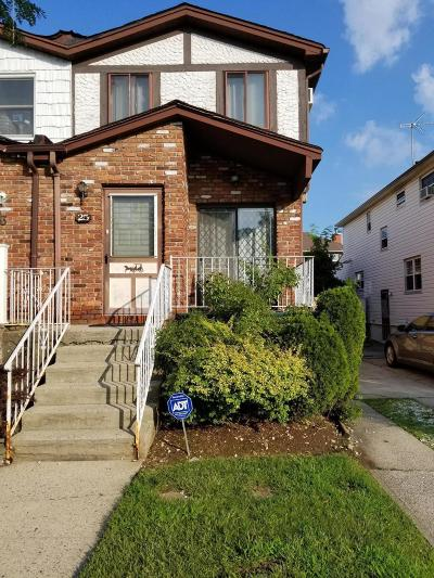 Semi-Attached For Sale: 25 Evans Street