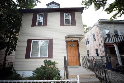 Staten Island NY Single Family Home For Sale: $475,000