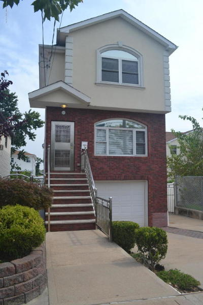 Staten Island Single Family Home For Sale: 367 Bedford Avenue