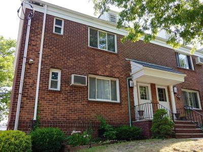 Staten Island Co-op For Sale: 18 Seth Court #A