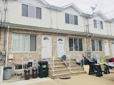 Staten Island NY Single Family Home For Sale: $479,000