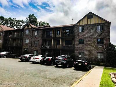 Condo/Townhouse Acceptance: 50 Donna Court #10