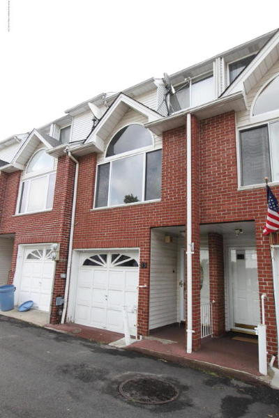 Single Family Home For Sale: 35 Cranford Court