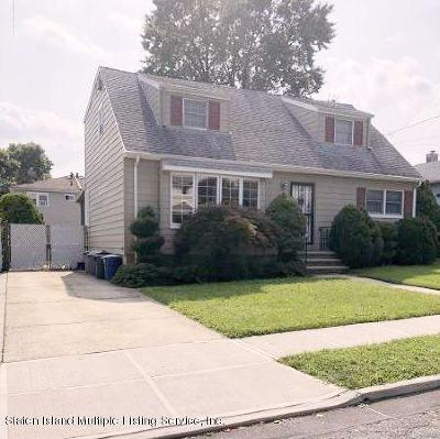 Richmond County Single Family Home For Sale: 18 Pacific Avenue