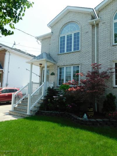 Semi-Attached For Sale: 256 Malvine Avenue