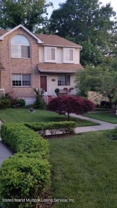 Semi-Attached For Sale: 20 Dreyer Ave #B