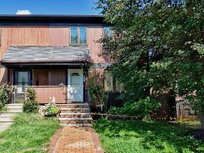 Staten Island Condo/Townhouse For Sale: 47 Hemlock Court