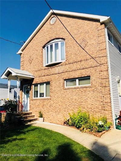 Single Family Home For Sale: 185 Graves Street