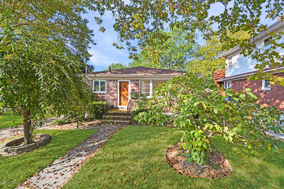 Single Family Home For Sale: 32 Legion Place
