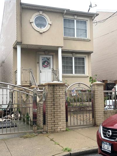 Staten Island Single Family Home For Sale: 25 Bush Avenue