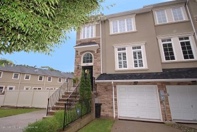 Two Family Home For Sale: 160 Presentation Circle
