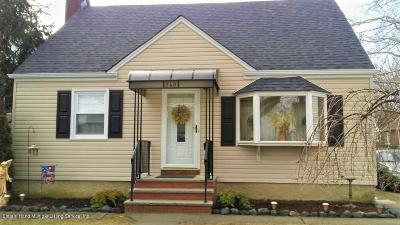 Single Family Home For Sale: 360 Beach Avenue