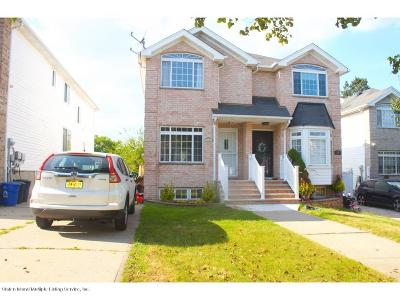 Two Family Home For Sale: 22 Bellavista Court