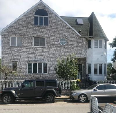 Single Family Home For Sale: 51 Idlease Place