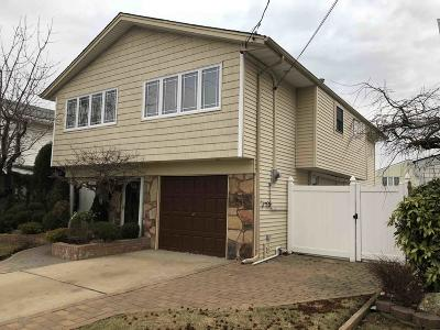 Single Family Home For Sale: 15 Oliver Place