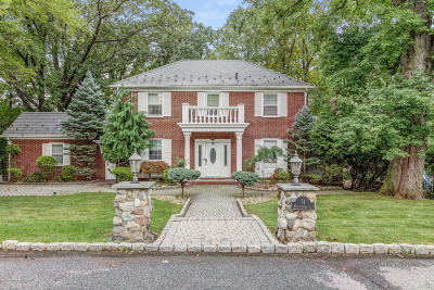 Staten Island Single Family Home For Sale: 71 Westminster Court
