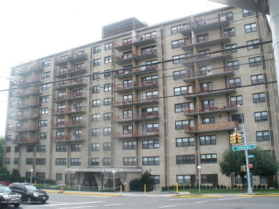 Staten Island Co-op For Sale: 1000 Clove Road #7f