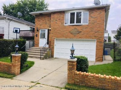 Staten Island Single Family Home For Sale: 152 Ridgecrest Avenue