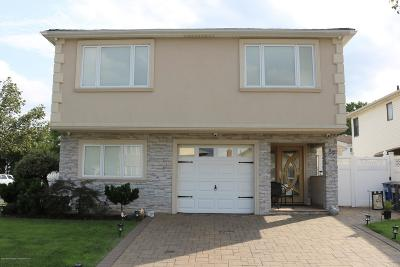 Two Family Home For Sale: 89 Dawson Circle