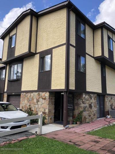 Semi-Attached For Sale: 149 Morani Street