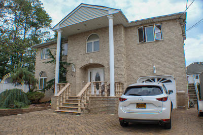 Staten Island Two Family Home For Sale: 197 Aspinwall Street