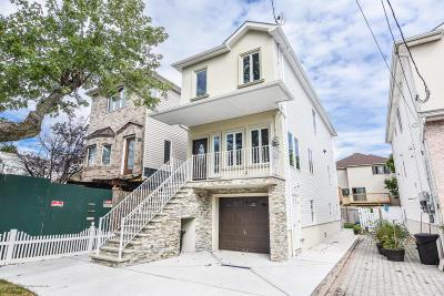 Staten Island Single Family Home For Sale: 449 Manhattan Street