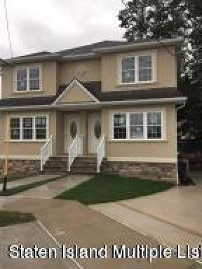 Semi-Attached For Sale: 43 Jade Court