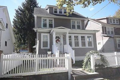 Single Family Home For Sale: 252 Greeley Avenue