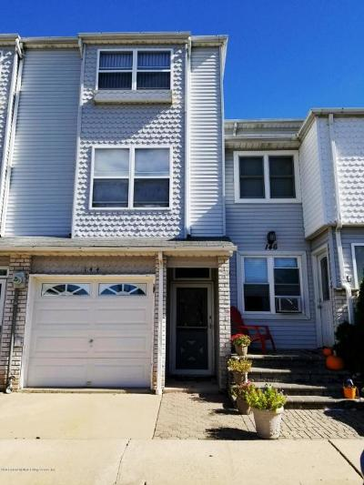Staten Island Single Family Home For Sale: 144 Lorraine Loop