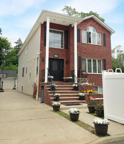 Staten Island Two Family Home For Sale: 151 Waterbury Avenue #B