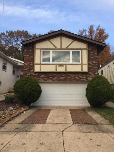 Staten Island Single Family Home For Sale: 307 Tanglewood Drive