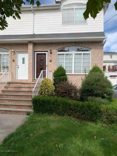 Staten Island NY Semi-Attached For Sale: $699,000
