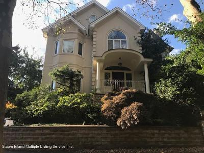 Staten Island Single Family Home For Sale: 68 Circle Road