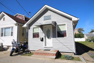 Staten Island NY Single Family Home For Sale: $289,000