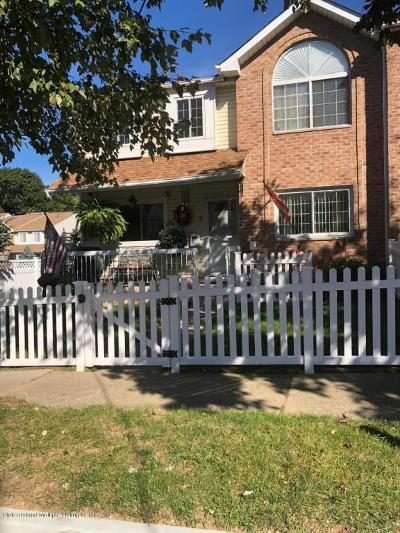 Staten Island NY Single Family Home For Sale: $489,900