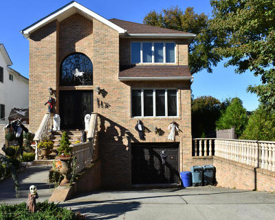 Staten Island Two Family Home For Sale: 116 Giegerich Avenue