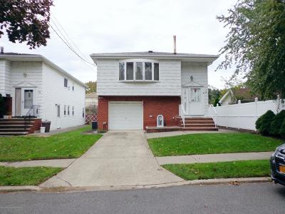 Staten Island NY Single Family Home For Sale: $659,000