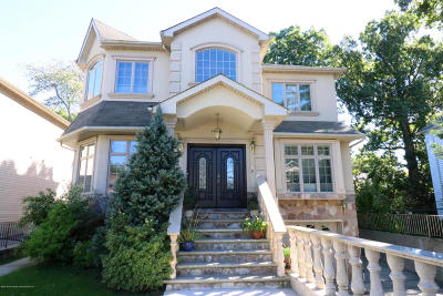 Staten Island Two Family Home For Sale: 5682 Amboy Road