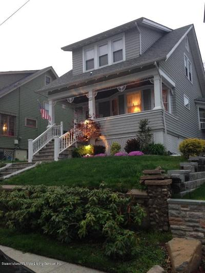 Single Family Home For Sale: 15 Cleveland Place