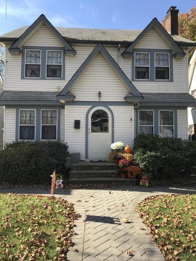 Single Family Home For Sale: 276 Hart Avenue