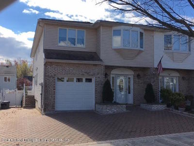 Staten Island Two Family Home For Sale: 656 Correll Avenue
