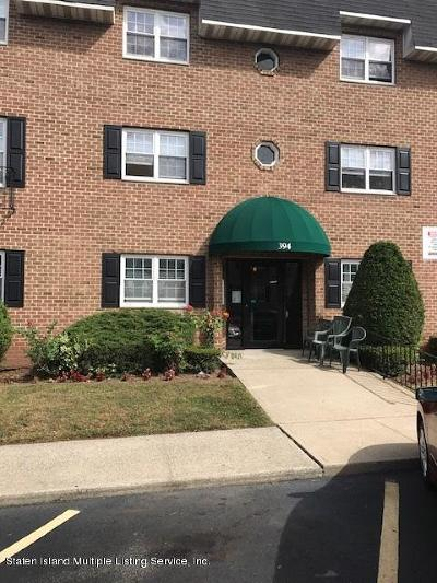 Staten Island Co-op For Sale: 394 Maryland Avenue #3a