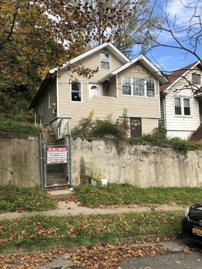 Single Family Home For Sale: 75 Pleasant Valley Avenue
