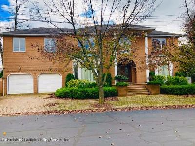 Staten Island Two Family Home For Sale: 16 Kerry Lane