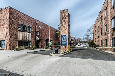 Staten Island Condo/Townhouse For Sale: 80 Bay St Landing #8b