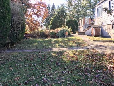 Staten Island Residential Lots & Land Acceptance: 526 Drumgoole Road E
