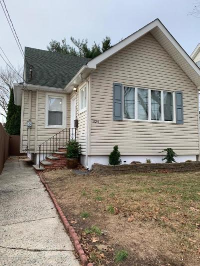 Single Family Home For Sale: 324 Burbank Avenue