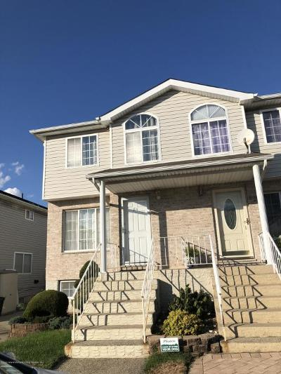 Semi-Attached For Sale: 84 Stephen Loop