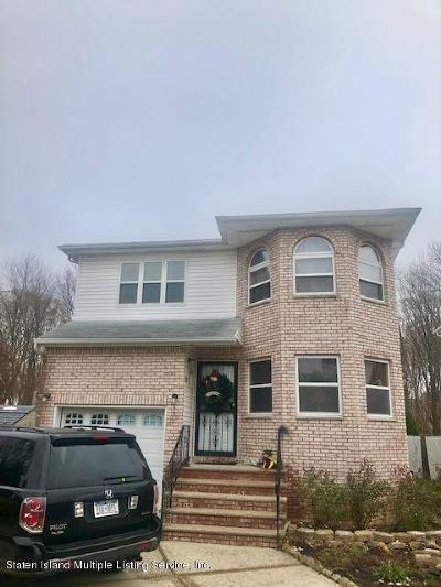 Staten Island Single Family Home For Sale: 39 Woodrose Lane