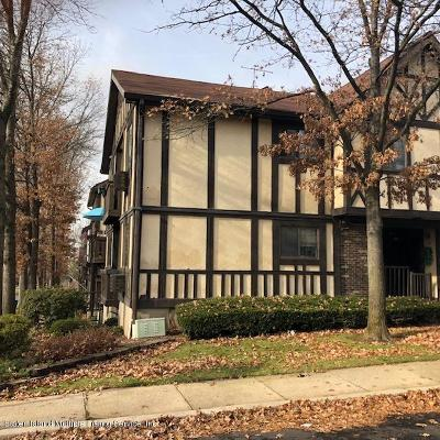 Staten Island Condo/Townhouse For Sale: 34 Elmwood Park Drive #A